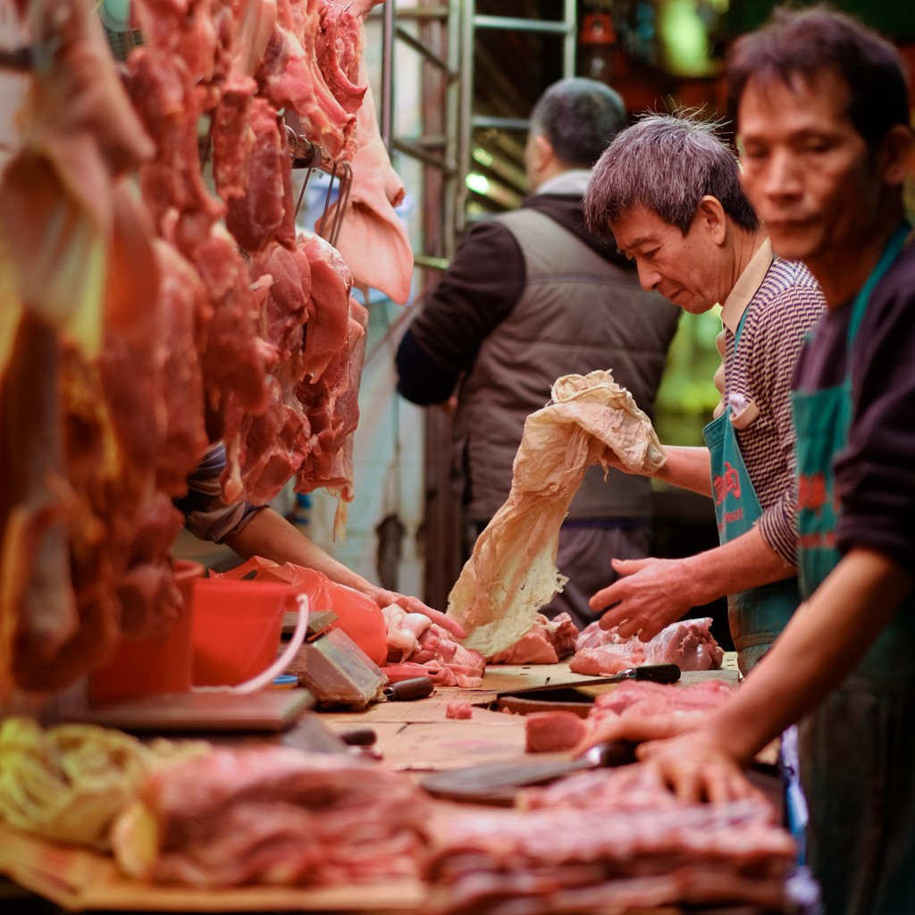 Fujifilm XT1 hongkong market meat 001 1024x1024 5 Food Markets of Hong Kong   with 6 cameras
